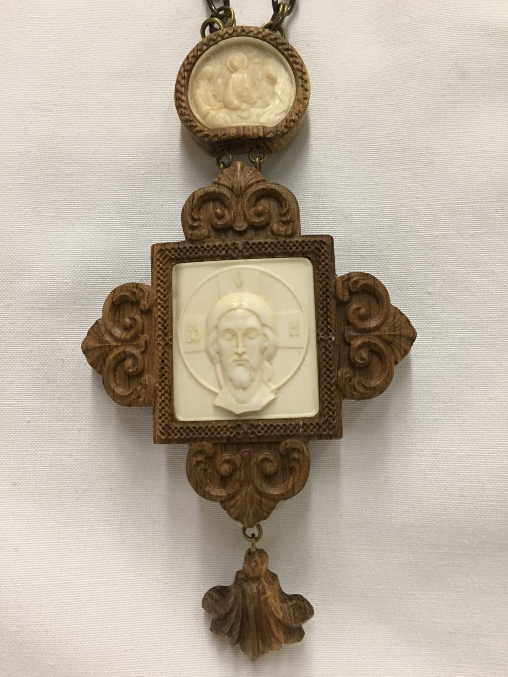 Pectoral Cross Wood/Ivory
